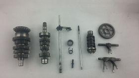 комплект. валы коробки передач: первичный, вторичный; вилки коробки передач (3шт.); копирный вал; вал переключения передач  Yamaha  FZR400